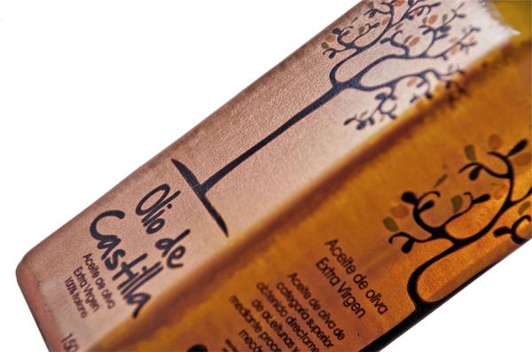 Packaging created by designer Verónica Jarquín for extra virgin olive oil brand Olio de Castilla