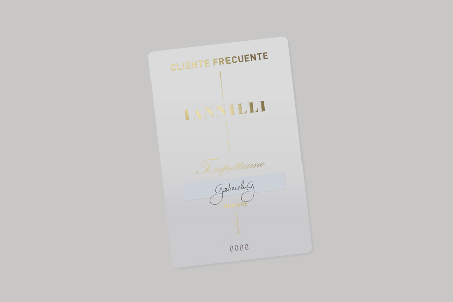 Logo and loyalty card with gold foil print finish for Monterrey-based traditional Italian restaurant Iannilli designed by Savvy