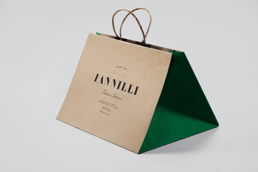 Logo and screen printed, uncoated and unbleached paper bag for Monterrey-based traditional Italian restaurant Iannilli designed by Savvy