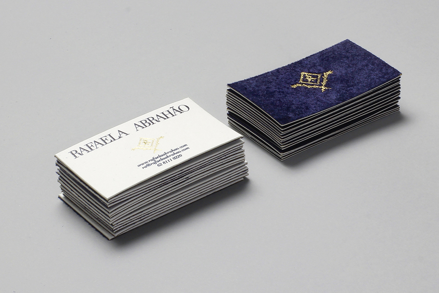 Logotype, monogram and duplex business card with gold foil detail designed by Br/Bauen for fashion blogger Rafaela Abrahão