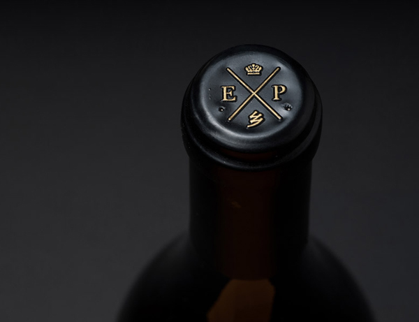 Wine bottle cap with gold detail designed by Inhouse for Expatrius Estate