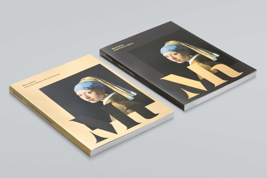 Brochure with metallic ink detail for Mauritshuis designed by Studio Dumbar