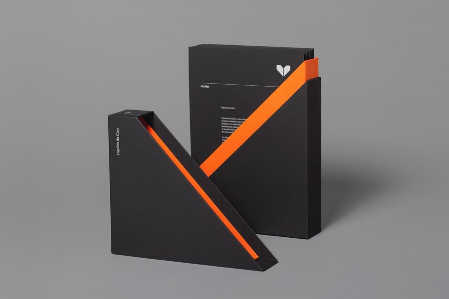 Minke paper sample box designed by Atipo