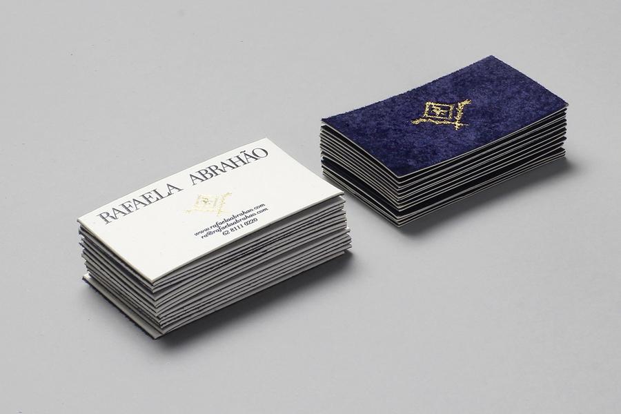 Duplex fabric business card design for fashion blogger Rafaela Abrahão by BR/Bauen