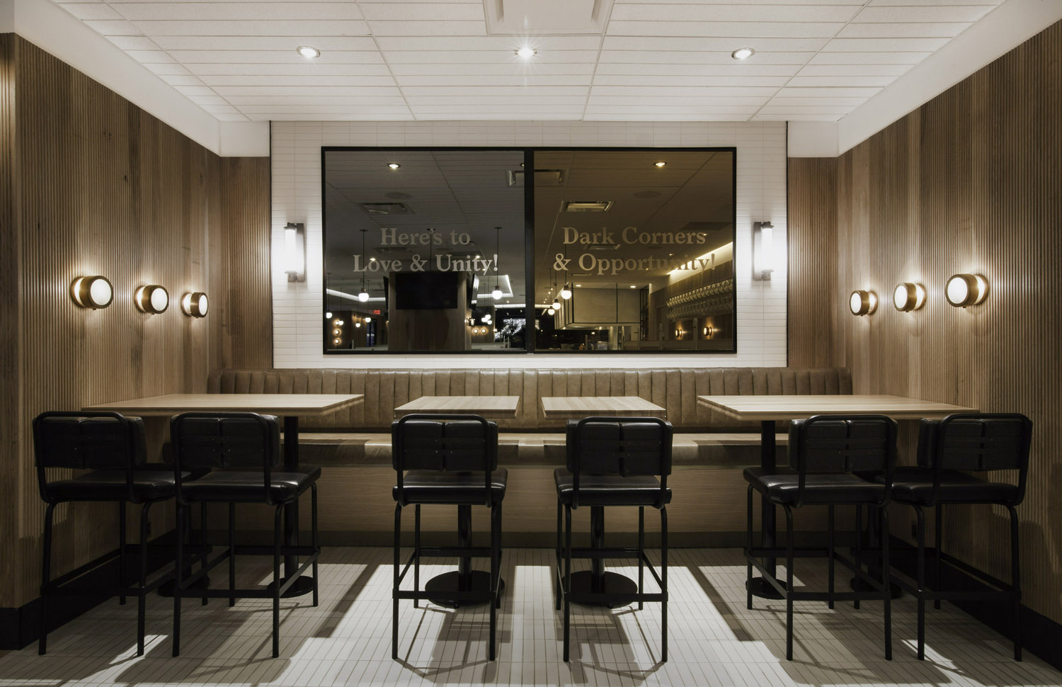 Brand identity and interior graphics by Glasfurd & Walker and interior design by Ste Marie for US and Canadian restaurant chain prototype Earls.67