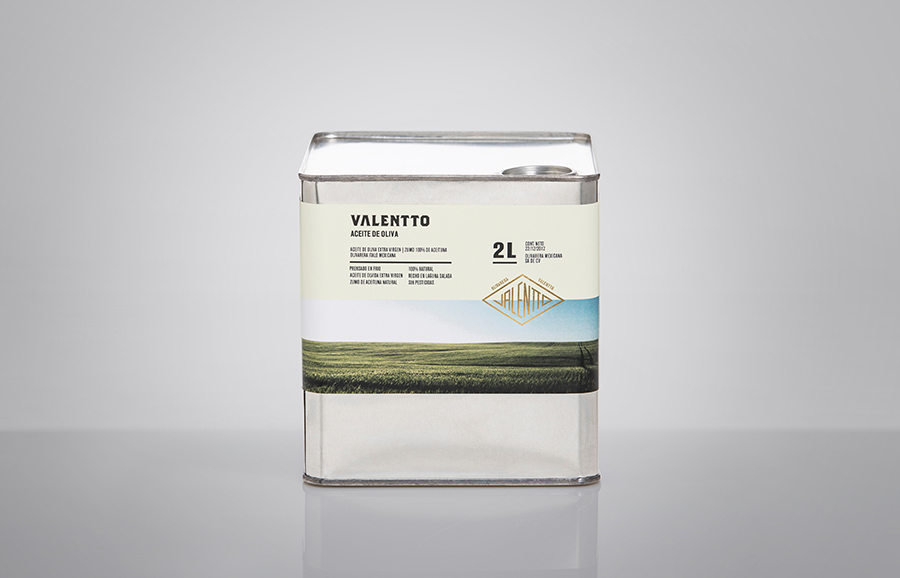 Olive oil packaging with gold foil detail designed by Anagrama for Valentto