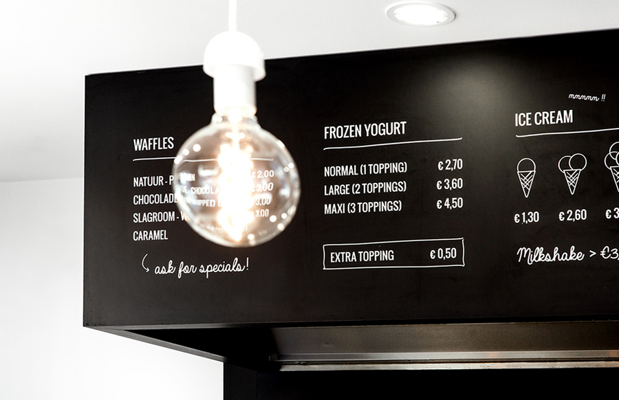Blackboard signage designed by Skinn for Bruges ice bar Oyya