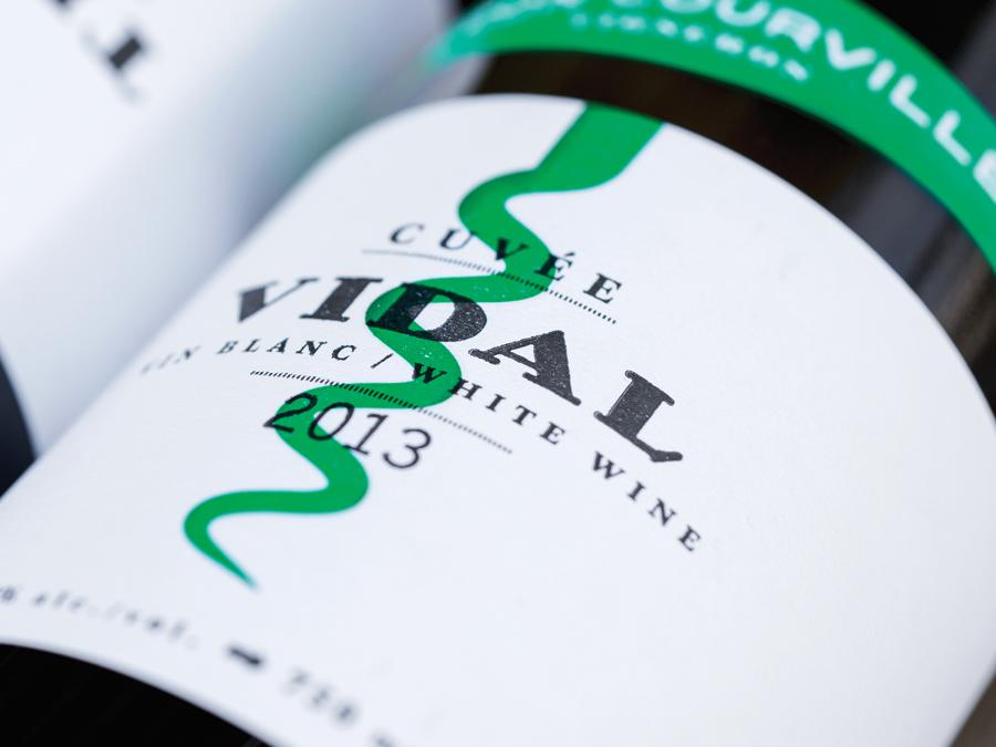 Wine label for Léon Courville Vigneron designed by lg2 boutique