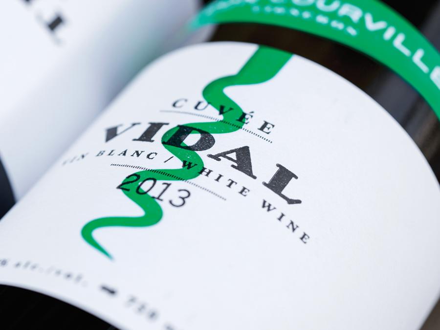 Wine label for Léon Courville Vigneron designed by lg2 boutique