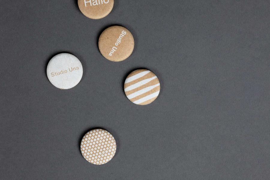 Buttons for German graphic design business Studio Una