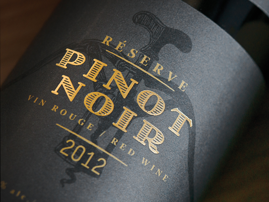 Wine label with gold foil detail for Léon Courville Vigneron designed by lg2 boutique