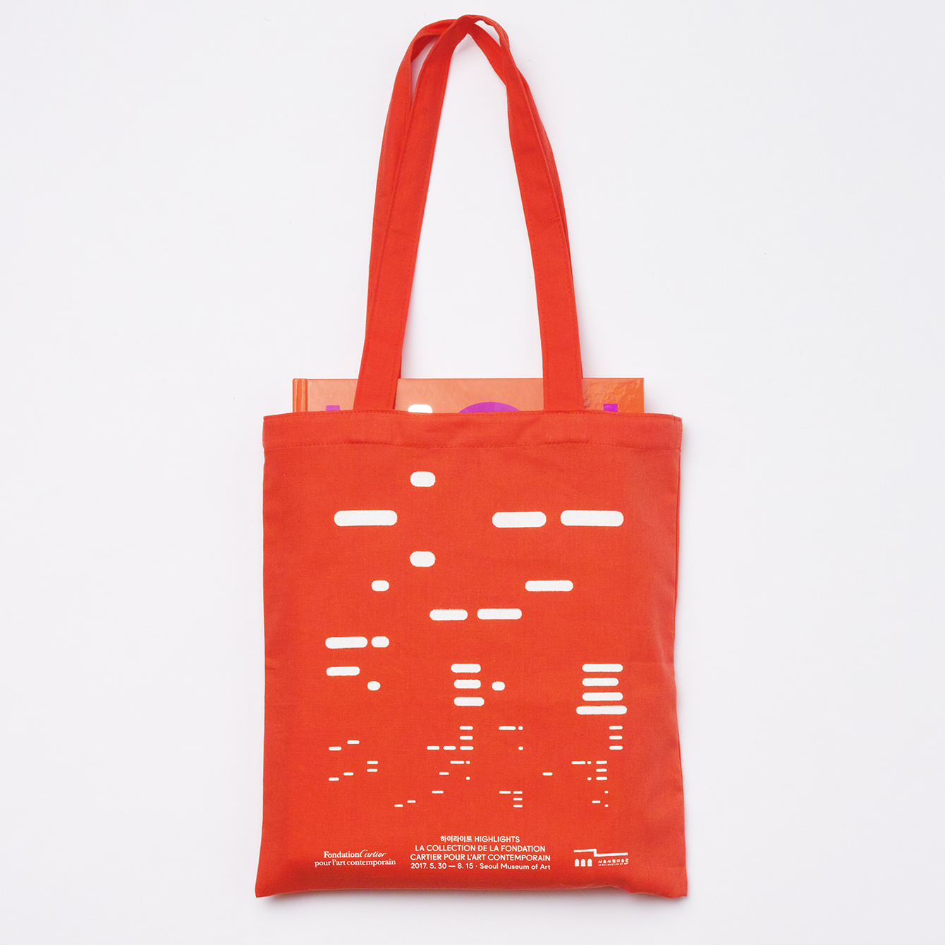 Visual identity and tote bag by Studio fnt for South Korean art exhibition Highlights at SeMA
